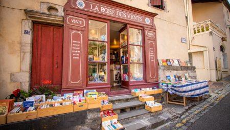 montolieu-2018-08-librairie-rose-vent-cr-c-deschamps-adt-aude